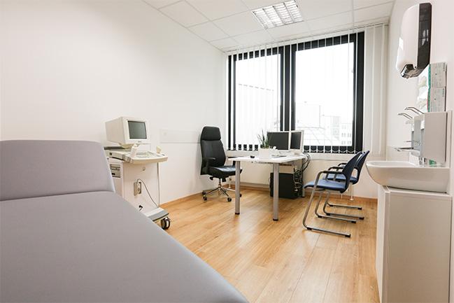 orthopaedie-zentrum-hannover-behandlunsgzimmer